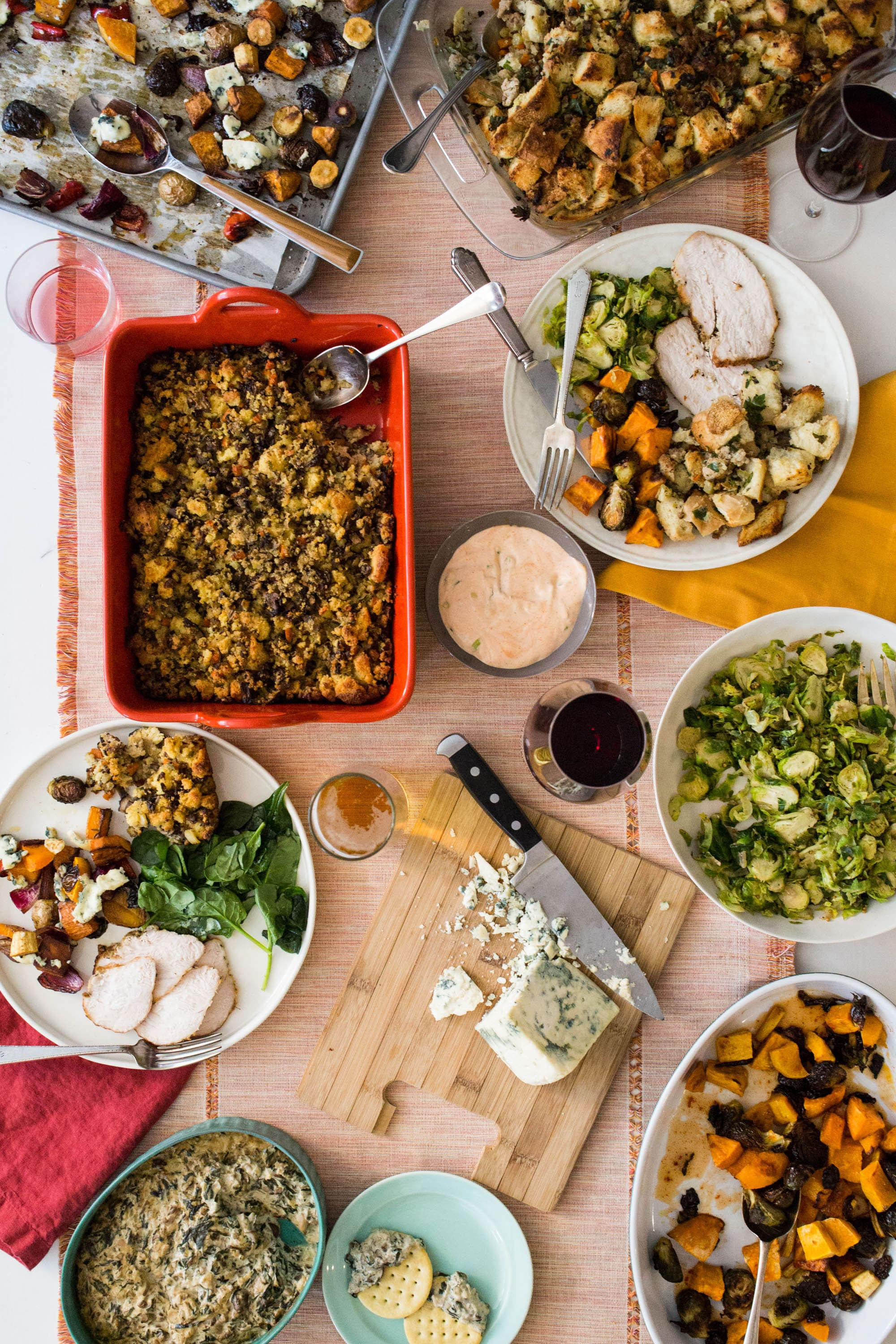 7 Thanksgiving Tips: How to Make Your Thanksgiving Easier. Here are the tips I fall back on year after year, for Thanksgiving and other holiday gatherings.