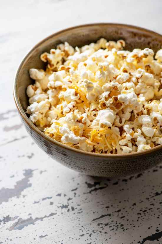 5-Minute Cheddar Cheese Popcorn