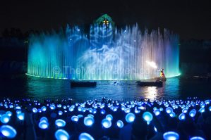 Mouse House Memories: Walt Disney World Debuts Glow with the Show Ears