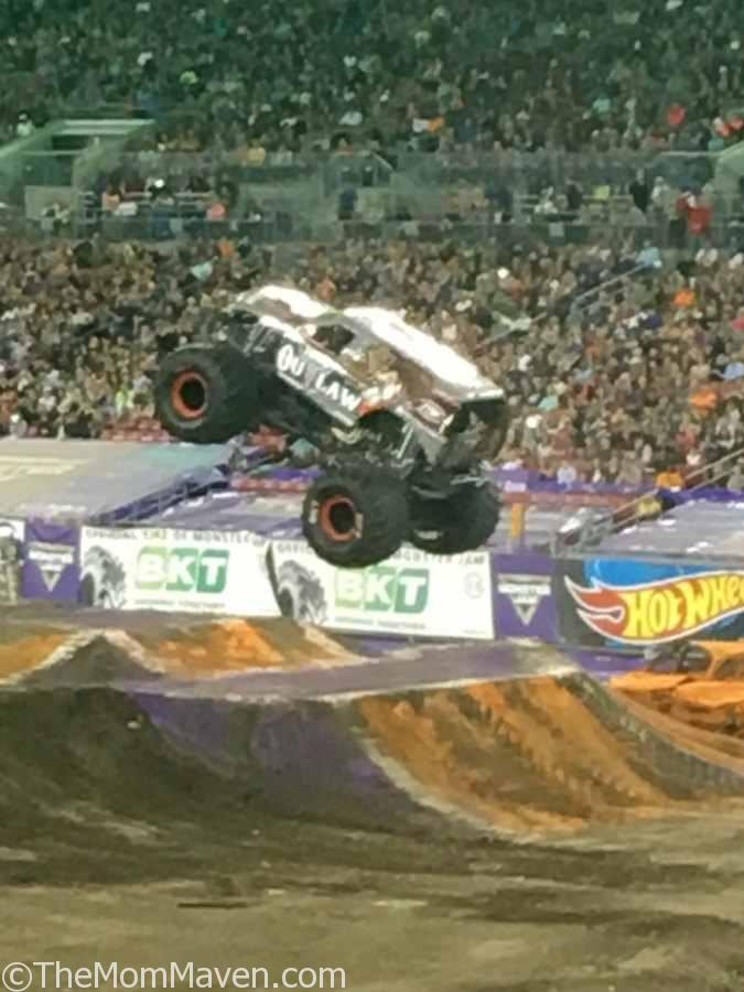 Iron Outlaw Freestyle Monster Jam Tampa 1-14-17