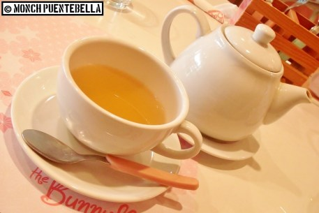 Hot Tea (P110/pot, P45 for extra honey): I got the Love Me Truly chai tea, and it's memorable with honey.
