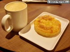 Royal Milk Tea (P170) and Butter Danish (P85): The pastry is good, no wonder they use it as a base for their Fuji Desserts. For the milk tea, it had the right amount of milkiness - but the sweetness needs to be toned down.