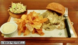 Sloppy G (P250): This is their take on the classic sloppy joe sandwich, served with coleslaw and sweet potato chips.