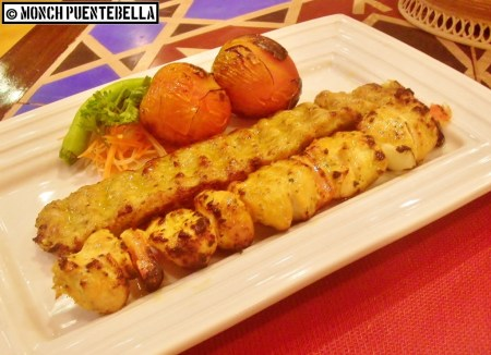 Makhsus Chicken (P392): Chicken chunk and ground chicken kebabs served with roasted tomatoes and vegetables.