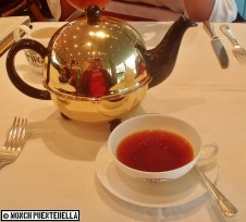 Red Chocolate Tea (P195): Red rooibos tea with a hint of chocolate.