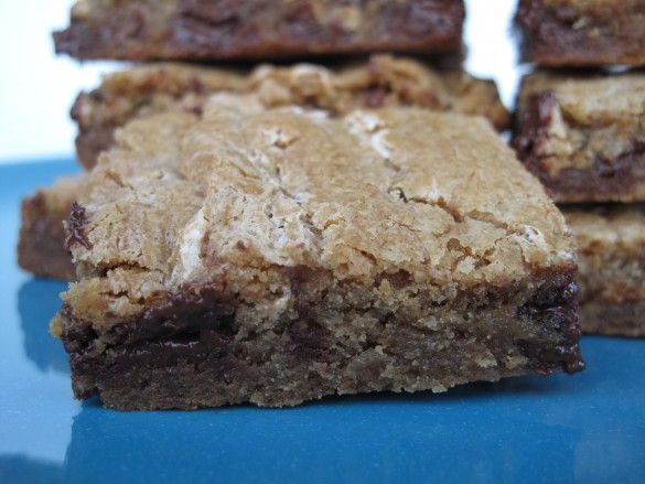 Chewy Chocolate Toffee Marshmallow Cookie Bars