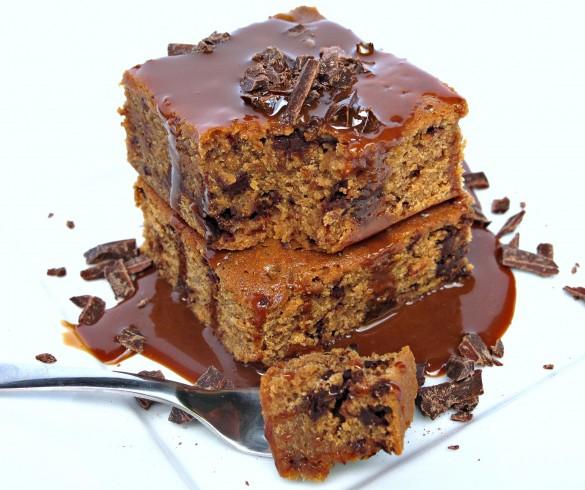 Caramel Chocolate Chunk Blondies