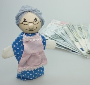 granny-doll-money-7feb16