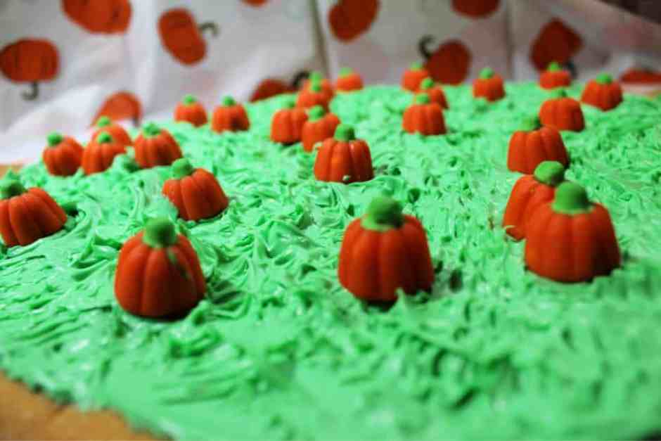 zombie pumpkin patch cookie pizza add candy pumpkins