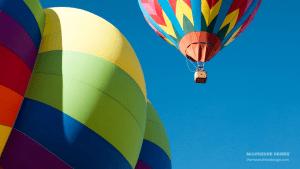 Moonshine Design Hot Air Balloon Zoom Wallpaper
