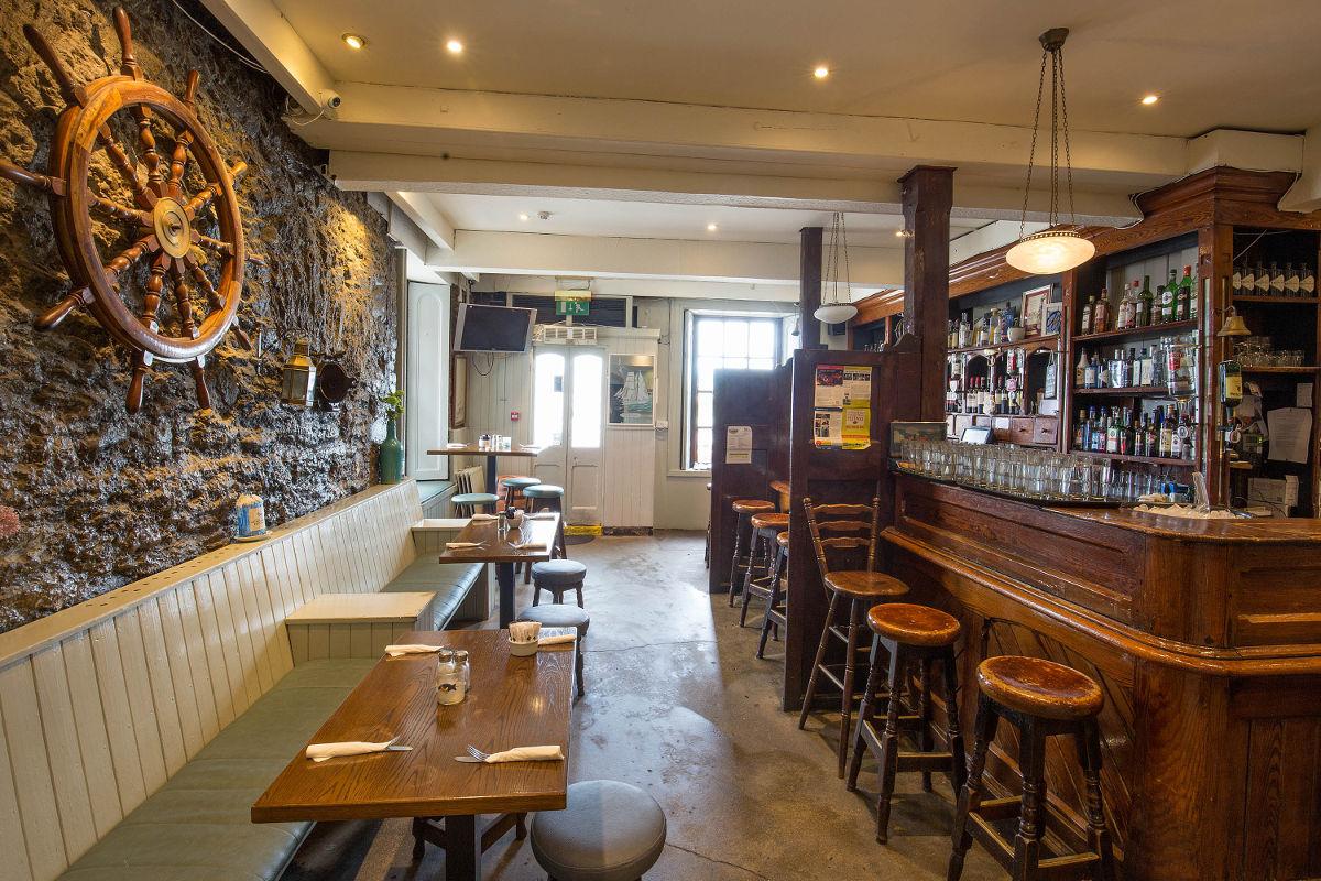 The Moorings Traditional Irish Pub