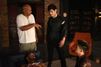 """SHADOWHUNTERS - """"Of Men and Angels"""" - Magnus and Luke reveal Clary's past in """"Of Men and Angels,"""" an all-new episode of """"Shadowhunters,"""" airing Tuesday, February 16th at 9:00 – 10:00 p.m., EST/PST on Freeform, the new name for ABC Family. (Freeform/John Medland) ISAIAH MUSTAFA, OZ SCOTT (DIRECTOR), MATTHEW DADDARIO, HARRY SHUM JR."""
