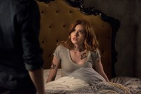 """SHADOWHUNTERS - """"Those of Demon Blood"""" - After several Shadowhunters are killed, The Institute turns to controversial methods to prevent a Downworlder uprising in ÒThose of Demon Blood,Ó an all-new episode of ÒShadowhuntersÓ airing Tuesday, June 19 (8:00 - 9:00 PM ET/PT). (Freeform/John Medland) KATHERINE MCNAMARA"""
