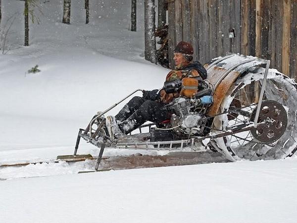 Galeri Foto Snowmobiles dari Motosikal - Foto 13
