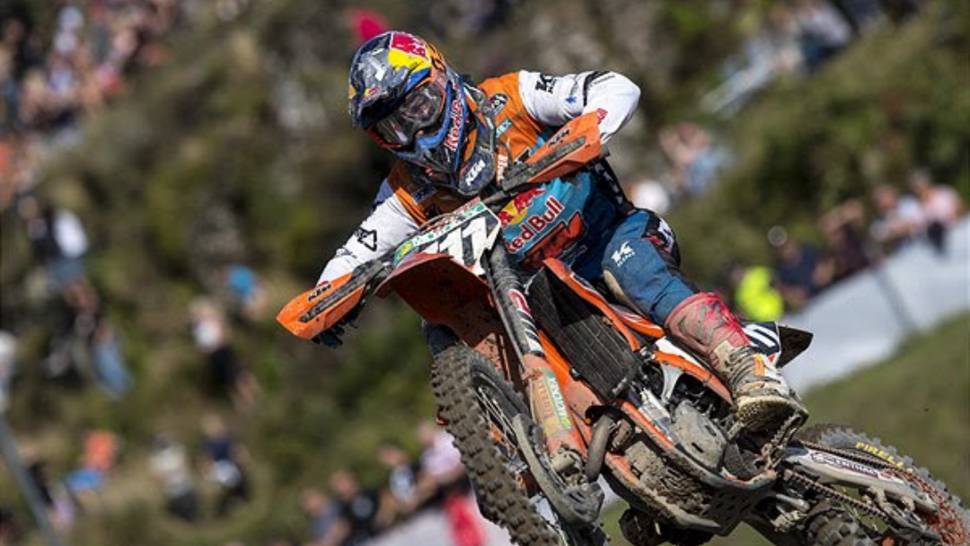 HOFER ENDS MAIDEN EMX250 SEASON WITH TOP THREE MOTO RESULT IN SWEDEN