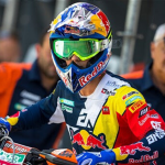 MX2 WORLD CHAMPION PRADO UNDERGOES SURGERY TO FIX LEFT FEMUR BREAK