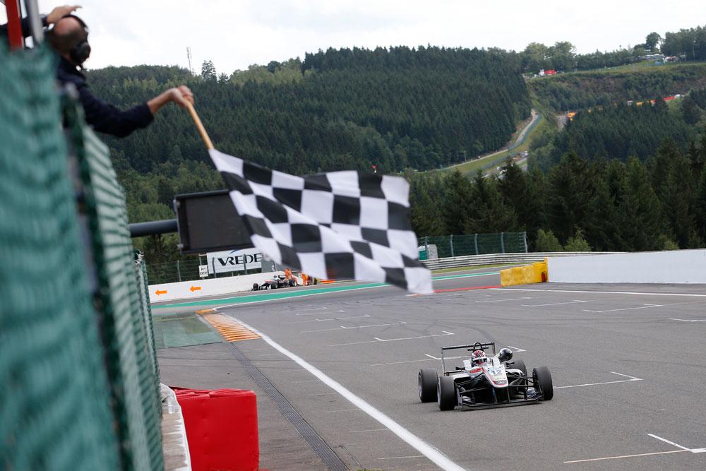 2016-FIA-F3-07-Suer-3576