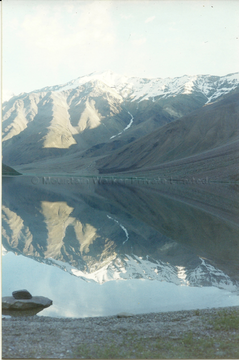 This is an image of Chandrataal Lake in Lahaul & Spiti, Himachal Pradesh