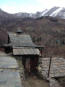 The grey-slate slabs are a comon feature on the rooftops of houses in Sangla. Photo: sanjay mukherjee
