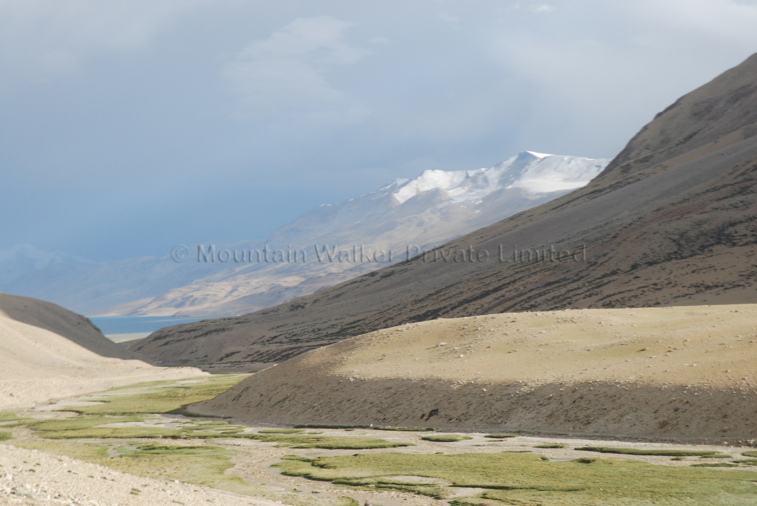 First view of Tso Moriri from the approach road; Photo: Abhishek Kaushal