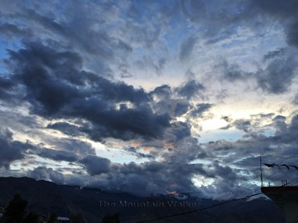 The Sky starts moving, 7.20 pm; Photo: Sanjay Mukherjee