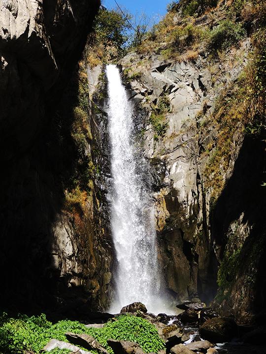 thalla-waterfall-02