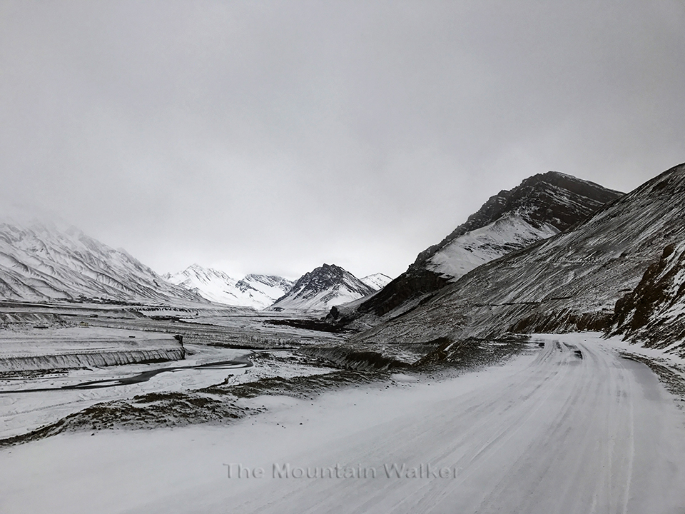 The road from the gate at the north-western end of Kaza; Photo: Abhinav Kaushal