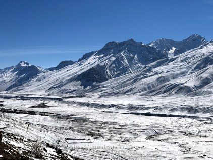 Snow covered mountains across Spiti river look amazing in the bright sunlight; Photo: Abhinav Kaushal