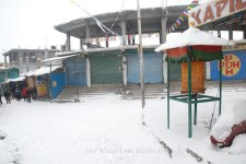 The Kaza market during the snowfall.