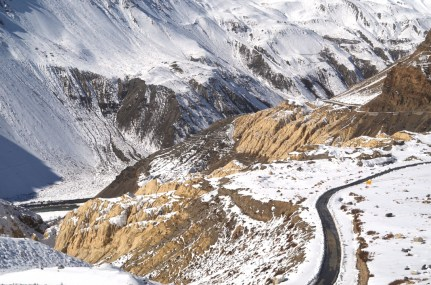 Formations along the road as one ascends/descends from Nako to Chango; Photo: Abhinav Kaushal