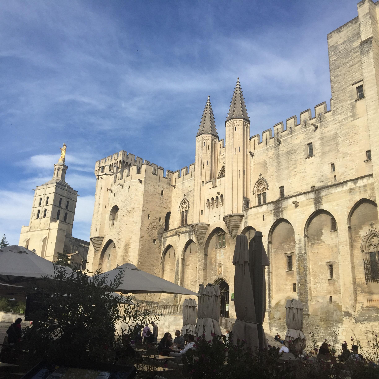 Plaisir des yeux: le palais des papes… Avignon!