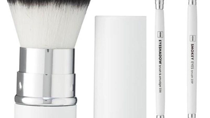 Magali TheMouse vous présente les pinceaux à maquillage Hema