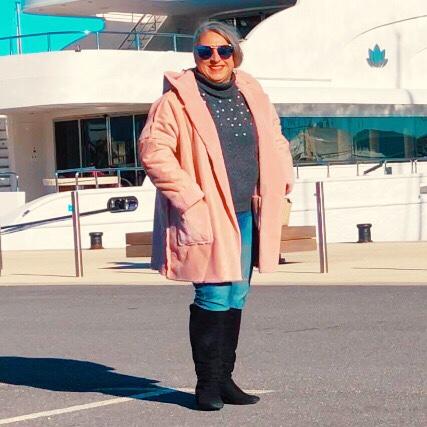 Idée look, Fashion, 50 ans, quinqua, mode, tendances, Teambeautesmajuscules, look, jeunior, port Vauban, antibes, cuissardes, fausse fourrure, Jennyfer, calzedonia, rêve, gain au loto, ce que je ferai si je gagnais au loto,
