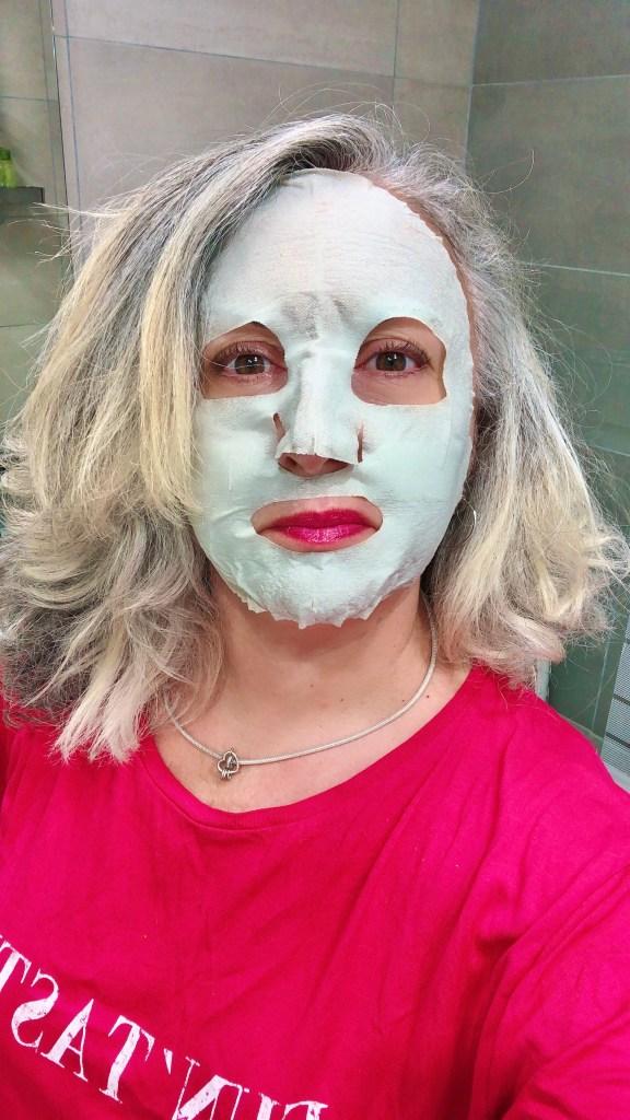 beauty, quinqua, Beauté, beautea, silverhair, silversisters, test, makeupgeek, maskchallengeunecitadine, blogueusedusud, cheveuxgris, makeup, mask, masque, masque à l'argile verte, detox, green clay, thé vert, réglisse