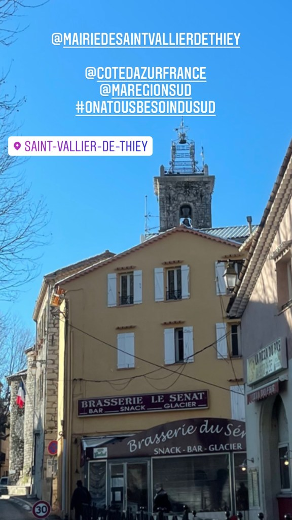resto antibes, neige, click and collect, la cour des thés, saint vallier de thiey, montagne, plaisir des yeux, 50 ans, rando, video, voyage, antiage, quinqua, Youtube, etatsdespritduvendredi, balade, travel, silver, les états d'esprit du vendredi, quadra, Mode, shopping, themouse, boucle de peygros, Fashion, grand air,