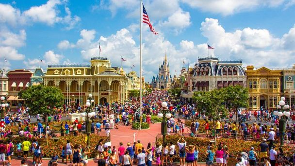 Main Street USA Secrets - Red Sidewalks