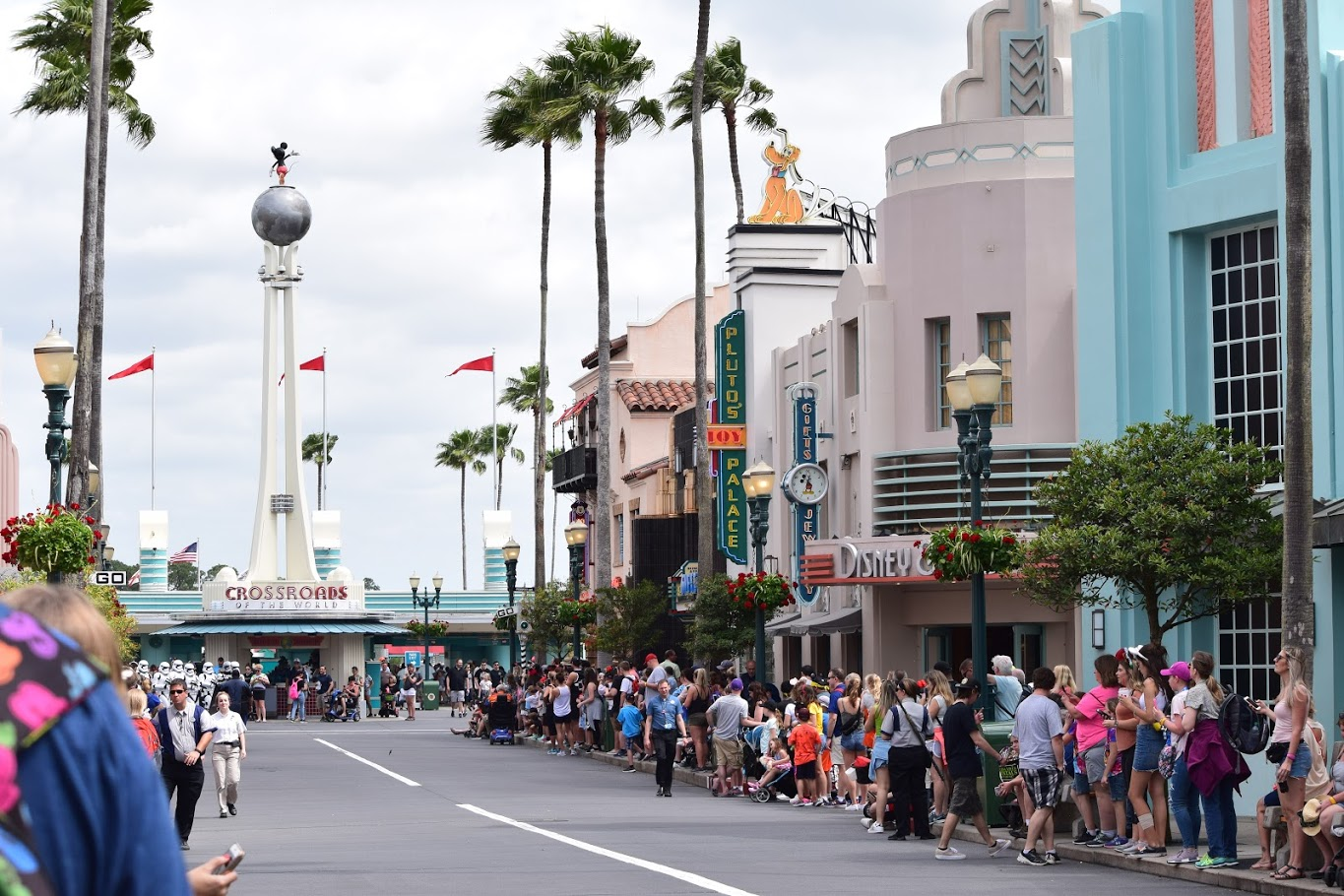 """Featured image for """"Insider Tips to Booking an Inexpensive Trip to Walt Disney World in 2020"""""""