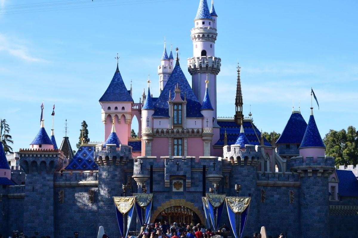 Disneyland Cancels APs