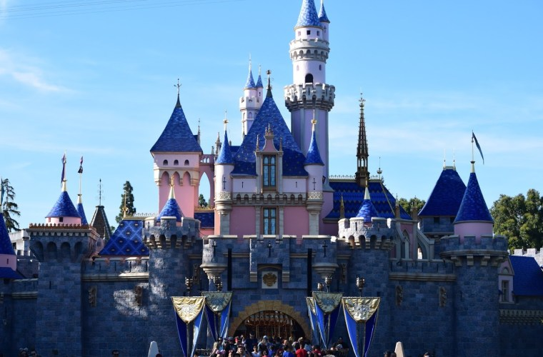 Disneyland Cancels APs