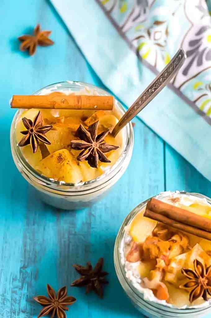 Apple Cinnamon Chia Pudding recipe. paleo, healthy, vegan chia pudding. chia seed pudding. breakfast chia pudding recipe. sugar free chia pudding.
