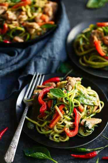 Whole30 Drunken Zucchini Noodles recipe. Paleo, healthy, and easy to make! Get ready to really enjoy some deliciousness and healthy eats here. The best whole30 recipes for your meal plan. Easy whole30 dinner recipes. Whole30 recipes. Whole30 lunch. Whole30 recipes just for you. Whole30 meal planning. Whole30 meal prep. Healthy paleo meals. Healthy whole30 recipes. Easy whole30 recipes just for you!