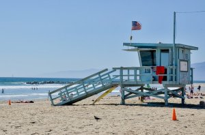 A beach in LA, one of the things that makes getting to know LA lifestyle before moving for studies more fun.