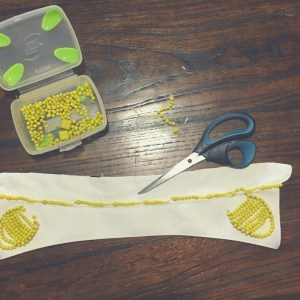 how to make a beaded collar