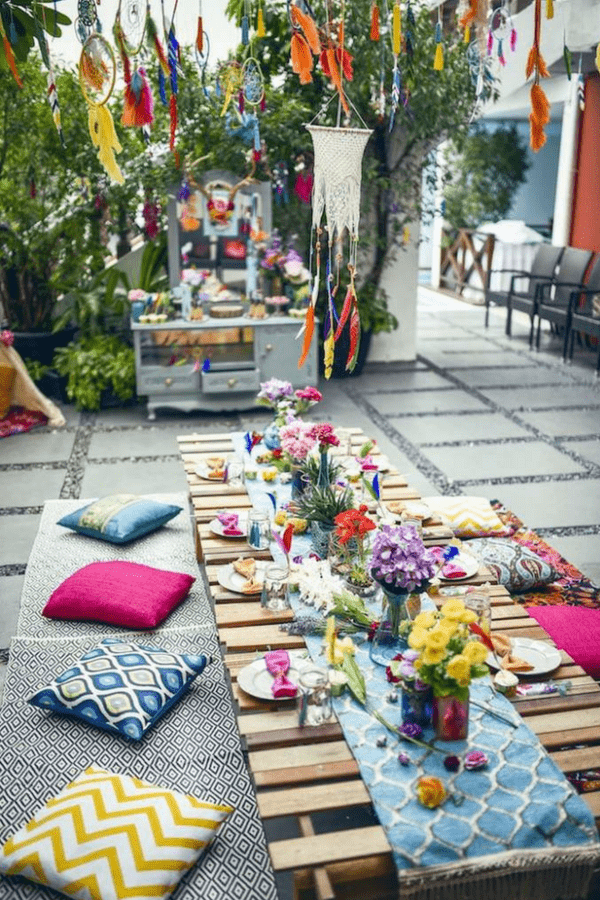 32 Stunning Summer Party Ideas You Need To Try Right Now #bohopartytheme #gardenpartytableideas #diyghardenparty #bohemianpartydecor