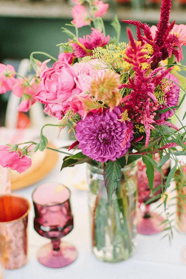 32 Stunning Summer Party Ideas You Need To Try Right Now #partycenterpiece #summer #flowers #partyideas