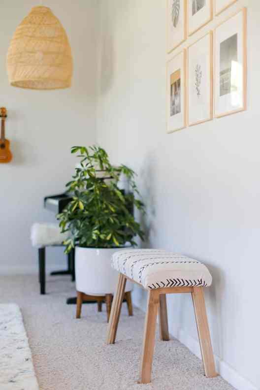 DIY Ikea Hacks that will save you tons of money #diy #ikea #ikeahacks #diyhacks #upholsteredbench
