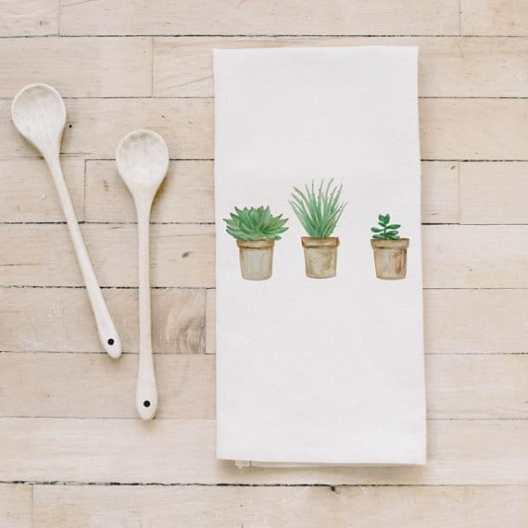 Perfect Farmhouse Style Gift Ideas For Less Than $20 #rustic #homedecor #home #decor #homedecoridea #homeideas #dreamhome #giftideas #rustichomedecor #farmhouse #farmhousehomedecor #housewarminggifts #'housewarming