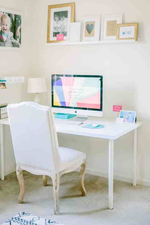 Small Home Office Ideas That Will Make You Want to Work Overtime #cozyofficenook #smallhomeofficeinspiration #officedesk #prettyhomeoffice