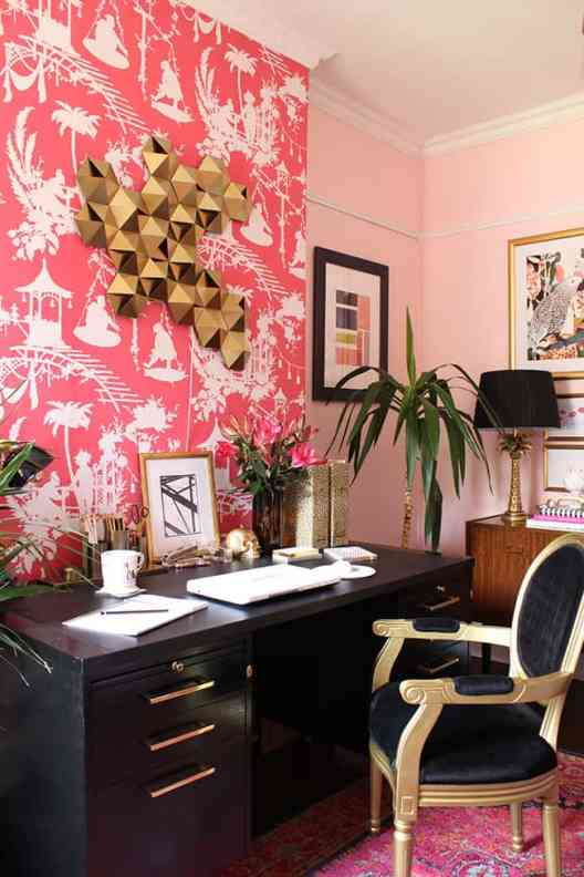 55 Small Home Office Ideas That Will Make You Want To Work Overtime #bohoglamoffice #homeofficeideas