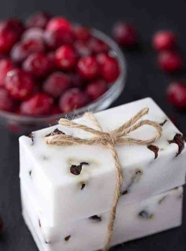 24 DIY Christmas Gifts That Your Friends Would Love To Get This Year | Handmade Christmas Gift Ideas | Inexpensive DIY Gift Ideas | Christmas Gift Ideas | Best Handmade Gifts Via: https://themummyfront.com #diychristmasgifts #themummyfront #handmadegifts | cranberry shea butter soap